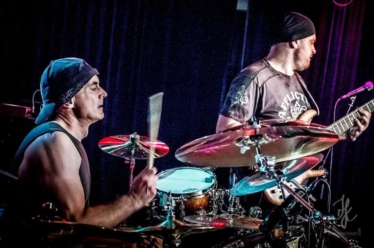 Virgil Donati Band: Барабанщик с Планеты Икс